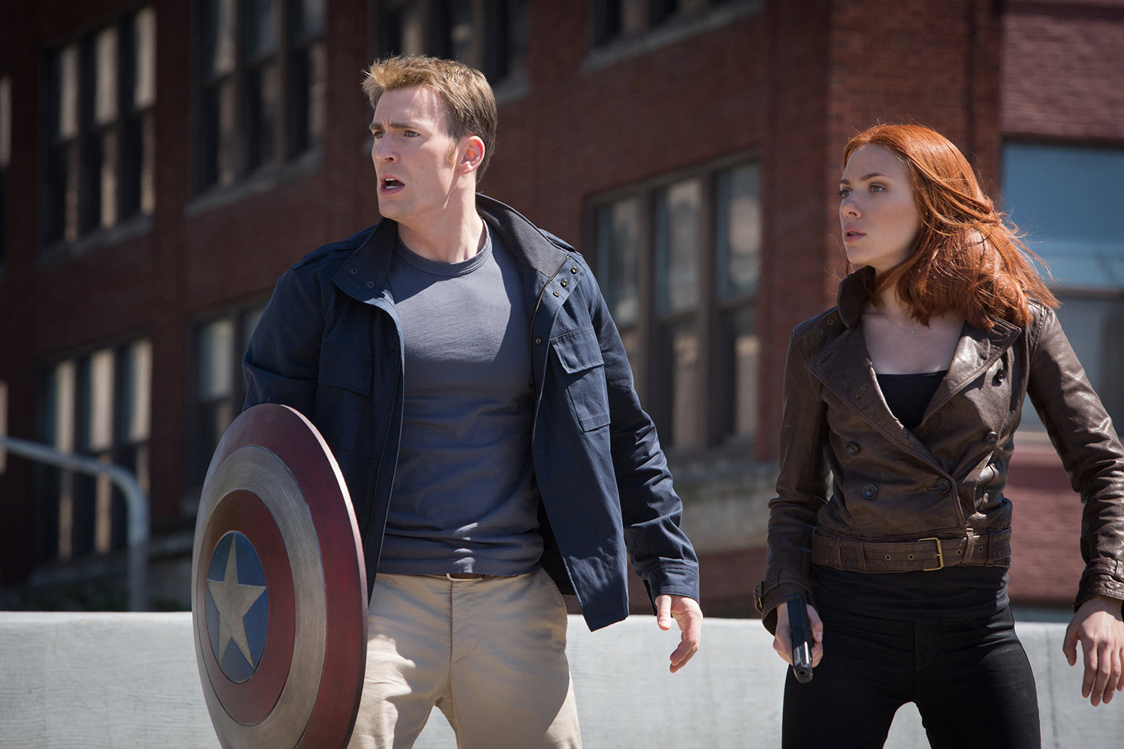Captain-America-2-Official-Photo-Steve-Rogers-Black-Widow-Regular-Clothes